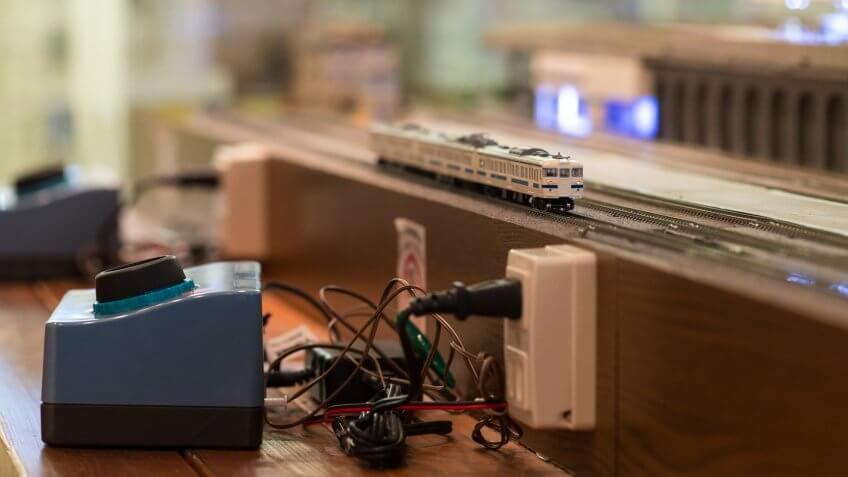 Model electric train on table.