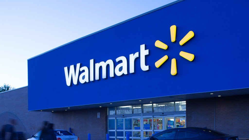 Fights and Stabbing Reported at Walmart Black Friday Sales