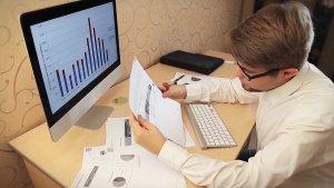 3 Tips to Doing Your Taxes Like Warren Buffett