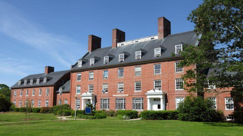 The University of Rhode Island (URI) is the principal public research university in the U.