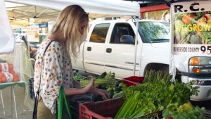 4 Ways to Save Money at Farmer's Markets