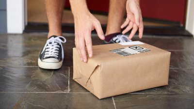 5 Best Delivery Services for Last-minute Christmas Gifts