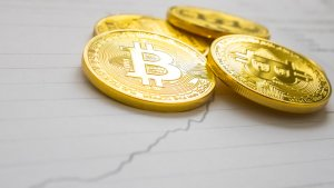 5 Closest Cryptocurrency Rivals to Bitcoin