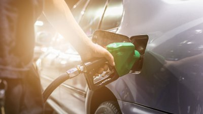 5 Ways to Protect Yourself From Credit Card Fraud at Gas Stations
