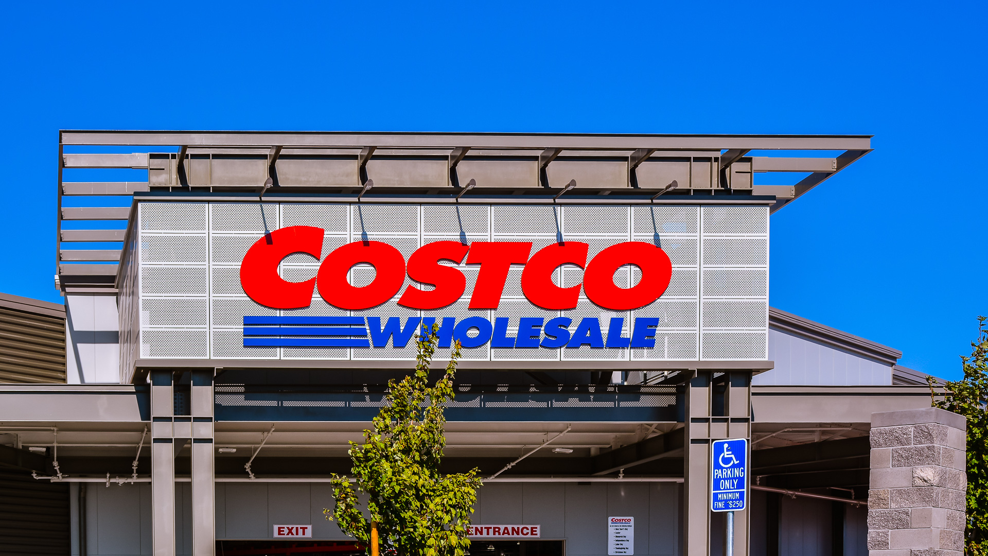 when was costco founded