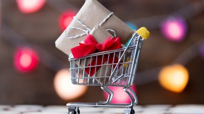 6 Easy Ways to Save Money on Holiday Shopping
