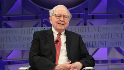 6 Things Warren Buffett Does With His Money