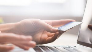 7 Inventive Ways to Make Money Using Your Credit Card