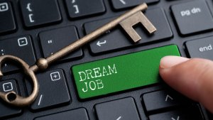 7 Tips to Change Your Career and Land Your Dream Job