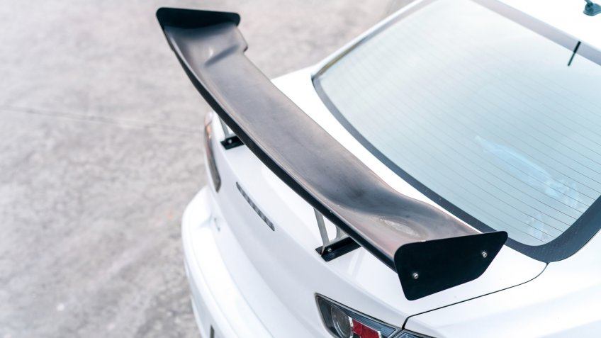 aftermarket-modifications-spoiler