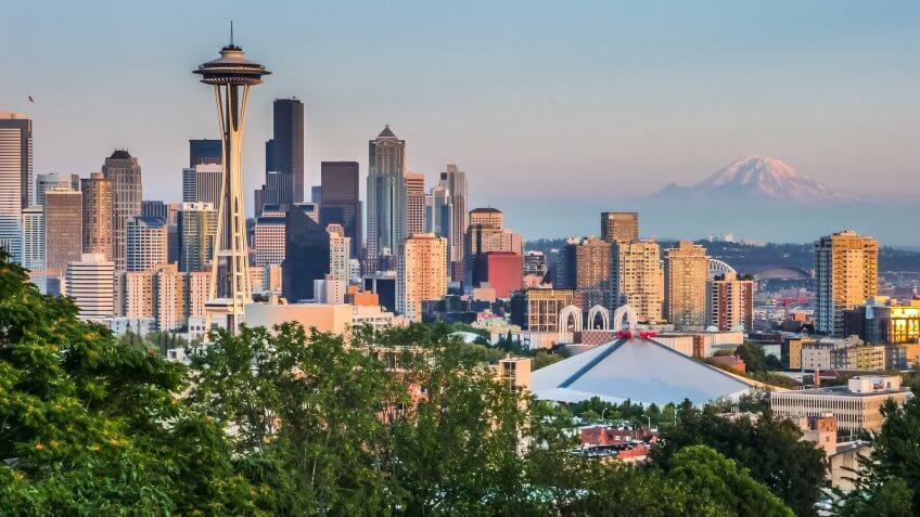 Seattle skyline panorama seen from Kerry Park at sunset in golde, United States of America, Washington State