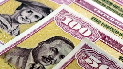 Advantages and Disadvantages of Treasury Bonds