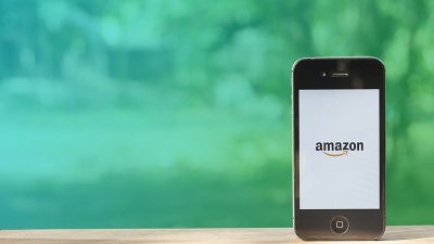Amazon Introduces Drive-up Grocery Service