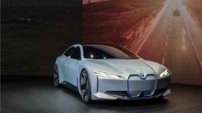 BMW Gears Up to Sell Half a Million Electric Cars by 2019