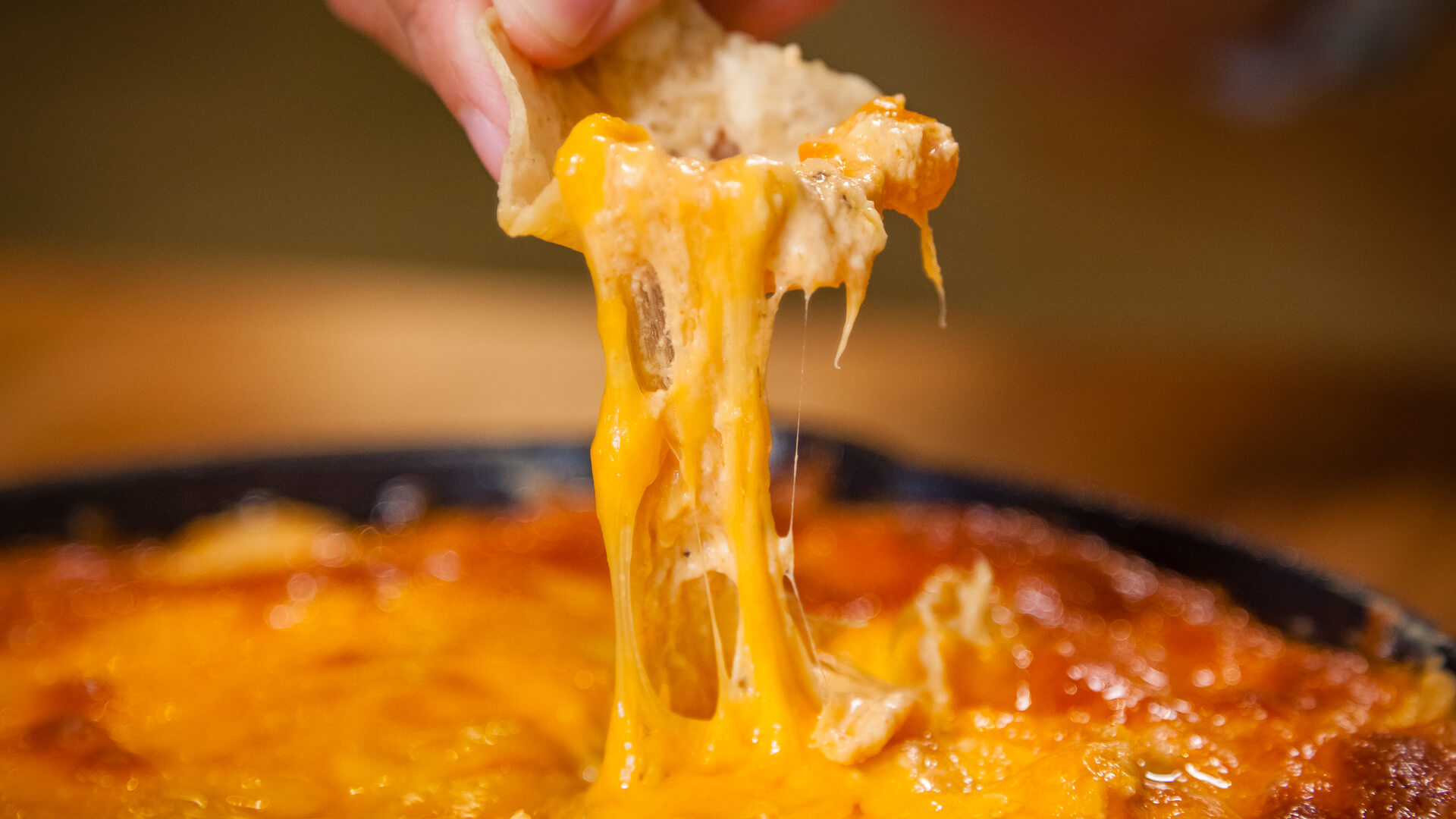 Indulge Your Snack Fix With Some Cajun Cheesy Chicken Dip