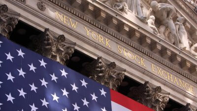 Dow Jones Closes at Record-high