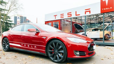 Financing a Tesla: 6 Things You Need to Know