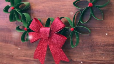 How to Make a DIY Christmas Wreath