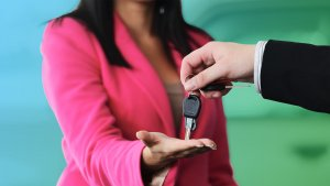 How to Save Money With These Car-Buying Incentives