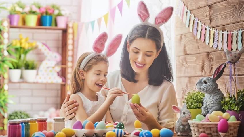 mother-and-daughter-painting-easter-eggs