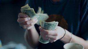 4 Easy Ways to Teach Kids Taxes
