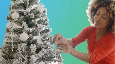 Save on Your Christmas Decor With These Tips