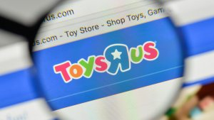 Toys R Us May Close Up To 200 Stores