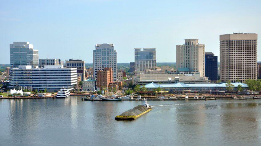 Norfolk city skyline and Elizabeth River, Virginia, USA.