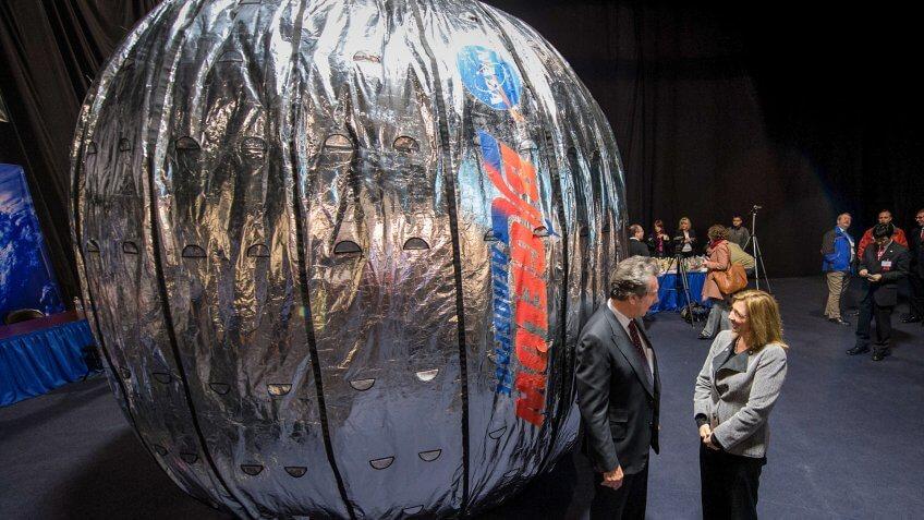 NASA Deputy Administrator Lori Garver and President and founder of Bigelow Aerospace Robert T.