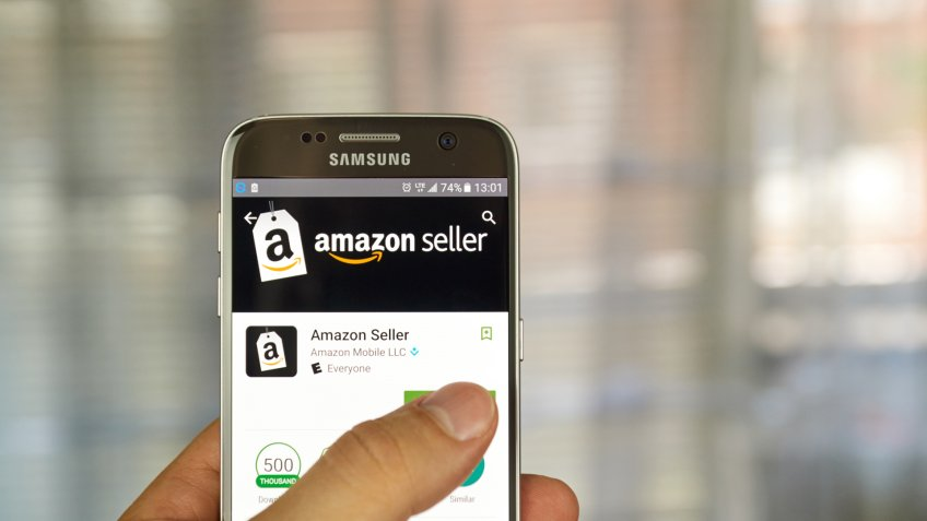 MONTREAL, CANADA - JUNE 24, 2016 : Amazon Seller application on Samsung S7 screen.