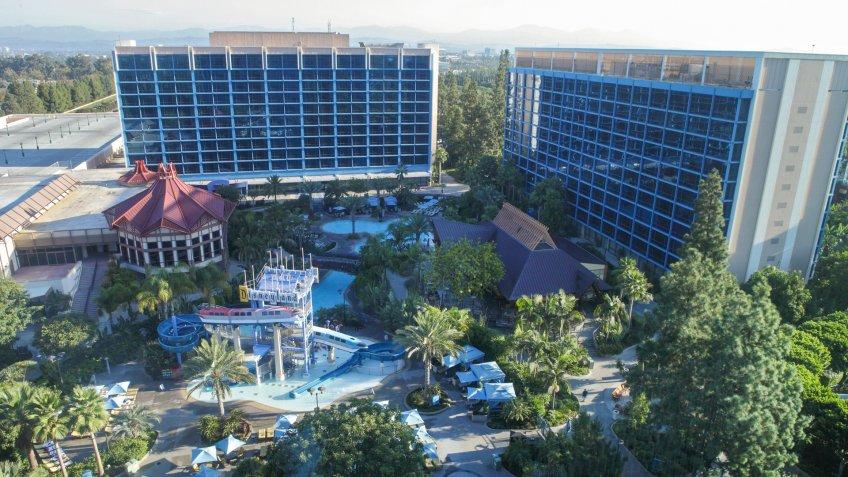 Disneyland Hotel, Disneyland Resort