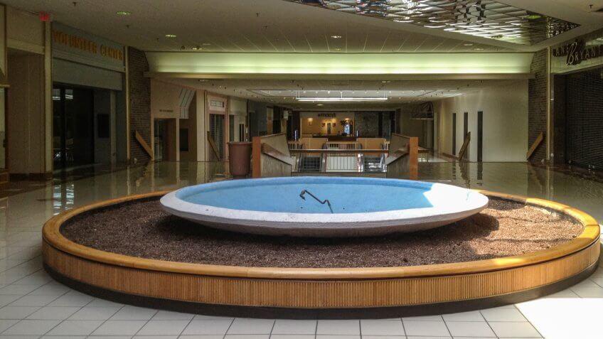 Metcalf South Shopping Center