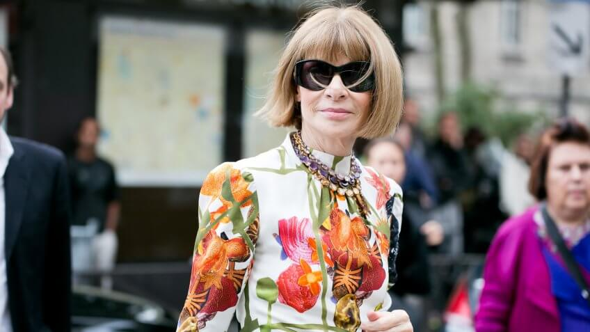 "PARIS-OCTOBER-1, 2016: VOGUE redactrice ""Anna Wintour"" is going to a fashion show in Paris."