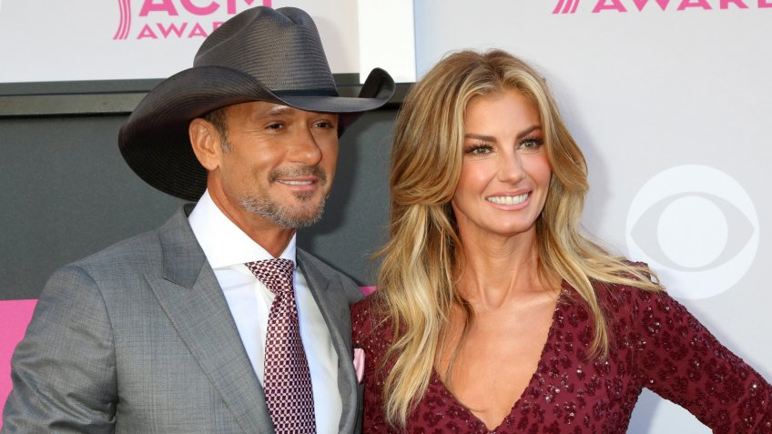 LAS VEGAS - APR 2: Tim McGraw, Faith Hill at the Academy of Country Music Awards 2017 at T-Mobile Arena on April 2, 2017 in Las Vegas, NV.