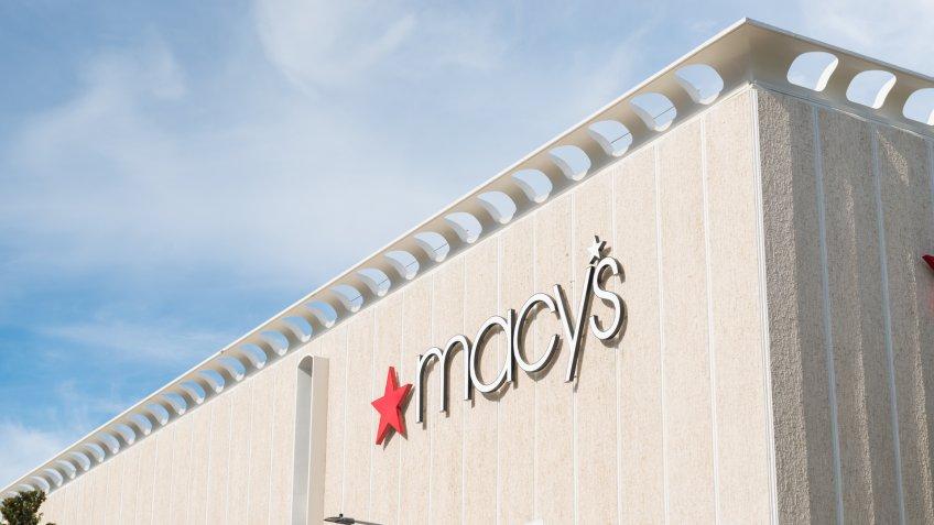 Macy's (M)