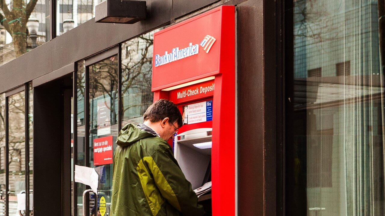 How to Avoid Bank of America Checking Account Fees