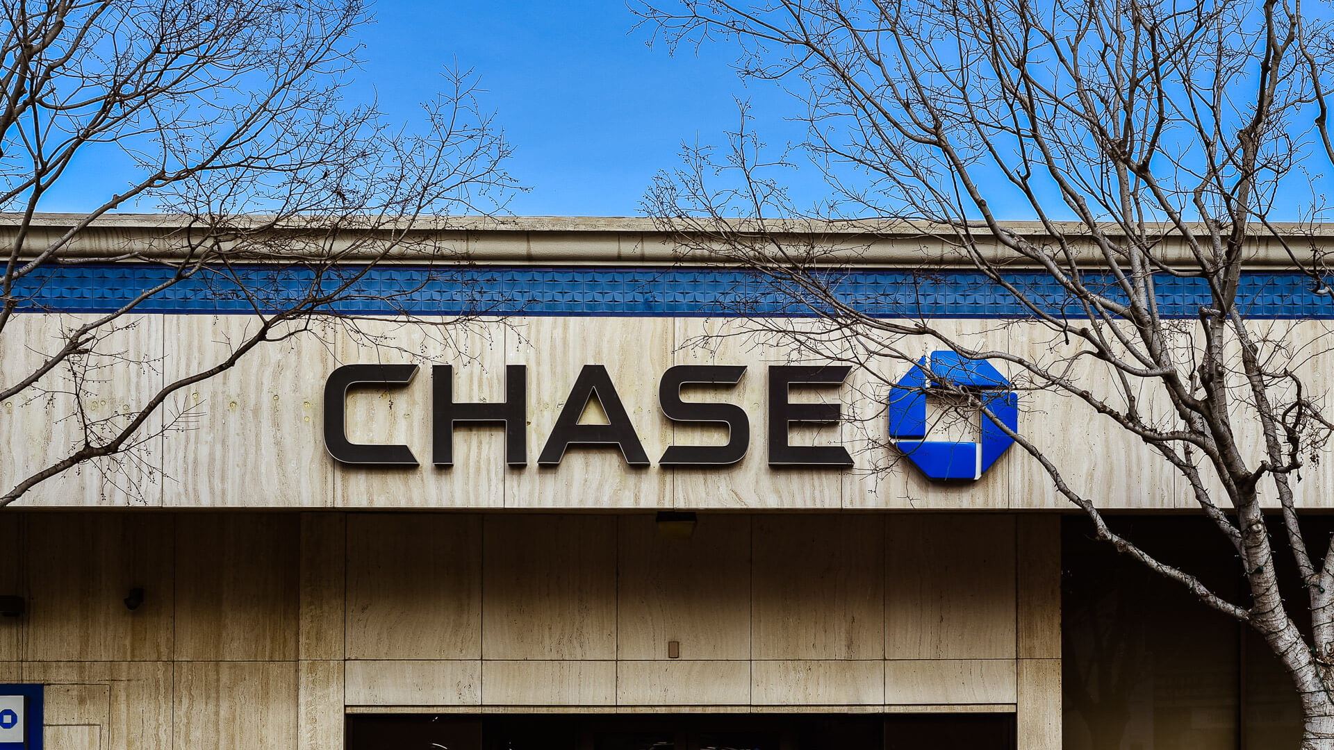 Chase Bank Review 2019: Is It the Right Bank for You?