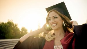 Discover Student Loans Review: Special Programs and Cash Rewards