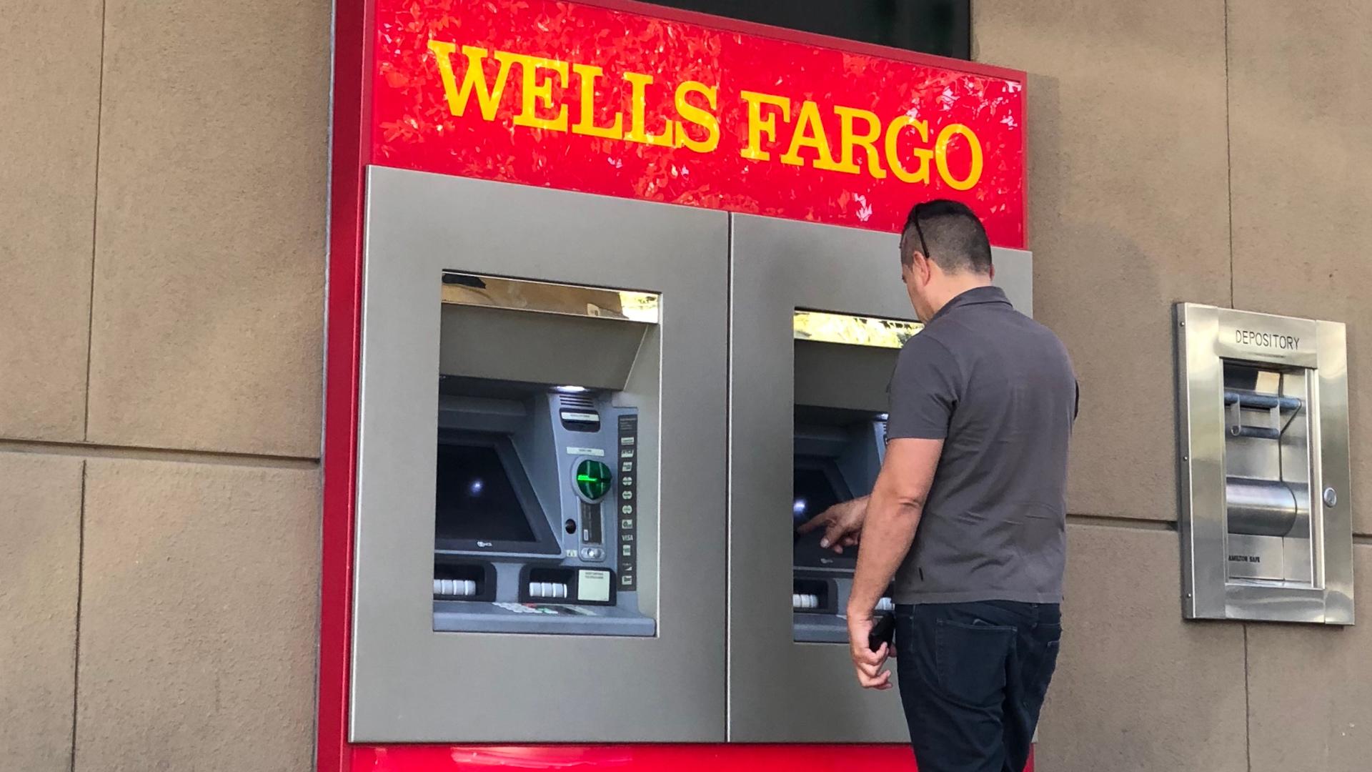 How to Avoid Wells Fargo Overdraft Fees | GOBankingRates