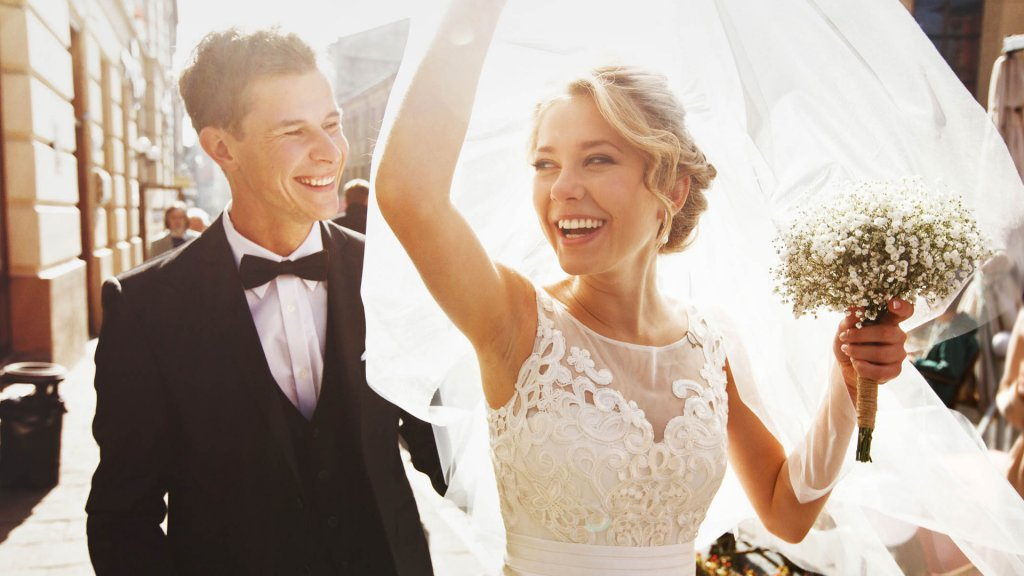 Heres How Much The Average Wedding Costs Gobankingrates