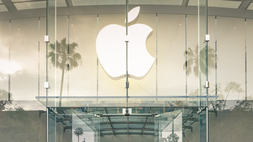 Apple store on 3rd Street Promenade in Santa Monica CA United St