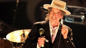 Bob Dylan Launches Heaven's Door Spirits