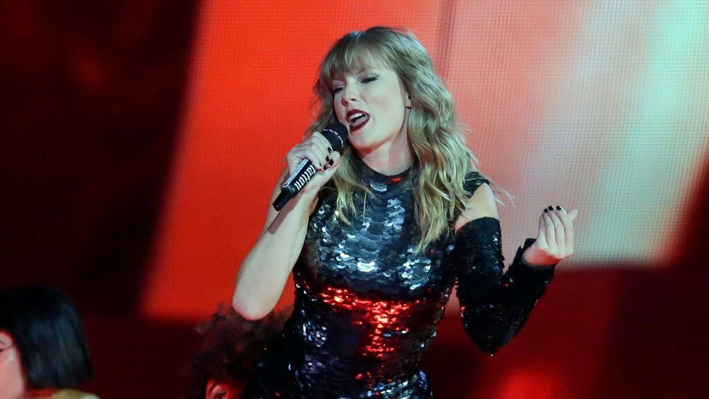 Taylor Swift Net Worth Gobankingrates