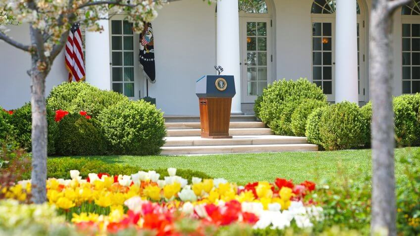 Presidential podium on White House lawn