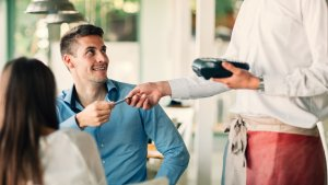 Best Credit Cards for Restaurants and Dining Out