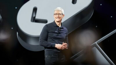 Apple Pacing to Become First US Company Worth $1 Trillion