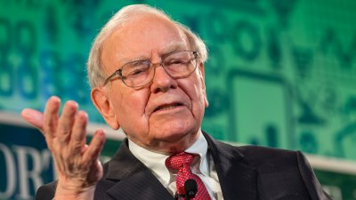 Buffett and Bezos Pick a Harvard Professor to Fix Healthcare Costs