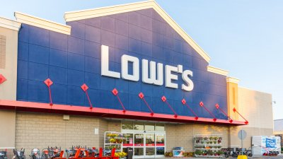 Lowe's Value Remains Strong as Company Braces for New CEO