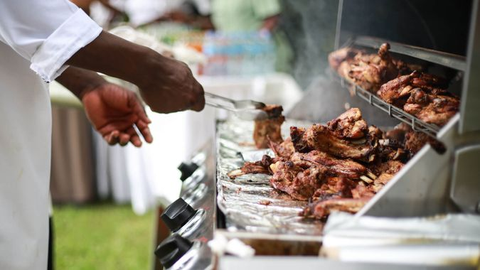 Grilling meat on foil