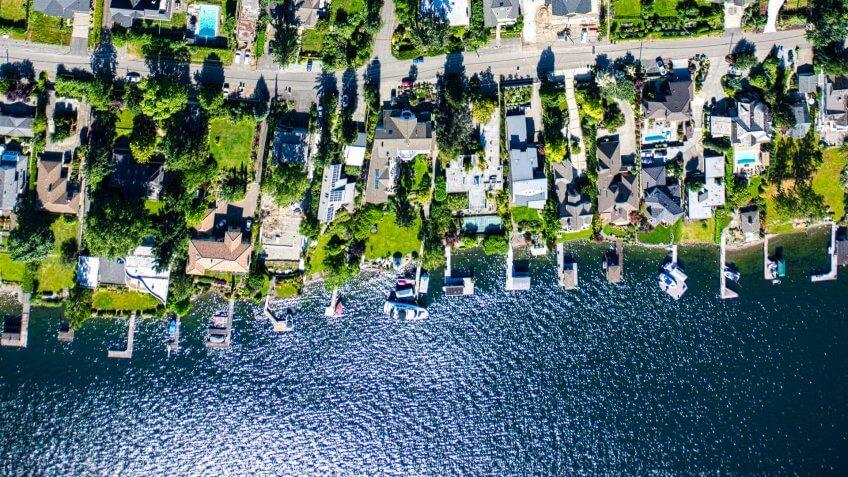 An aerial view of the lakefront residential community on Mercer Island, Washington State, nestled between the downtown districts of Bellevue and Seattle.